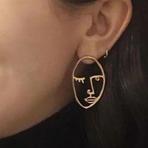 Gold tone Blinking Eye Earrings